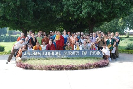 Group photo took after visited the first International Buddhist University: Nalanda University.(source:www.shedrub.org)