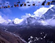 Prayer-flags-over-Dingboche