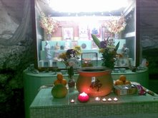 The shrine inside the auspiciuos temple cave .Source: Photo taken by Shenpen Lamo Ng, 18 Oct 2009